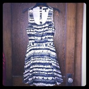 Jessica Simpson Navy/Cream patterned sun dress